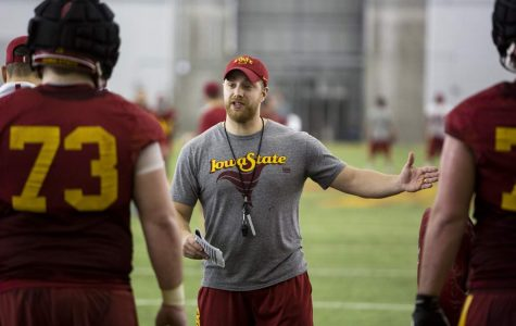 Youngstown's Manning coaching up a storm for the Cyclones